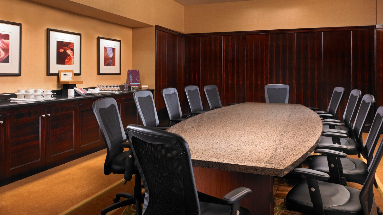 Anaheim Meeting Space - Executive Boardroom